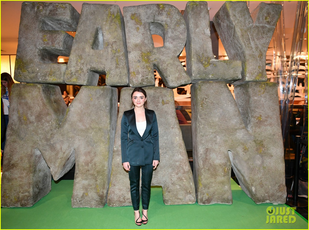 maisie williams early man event 05