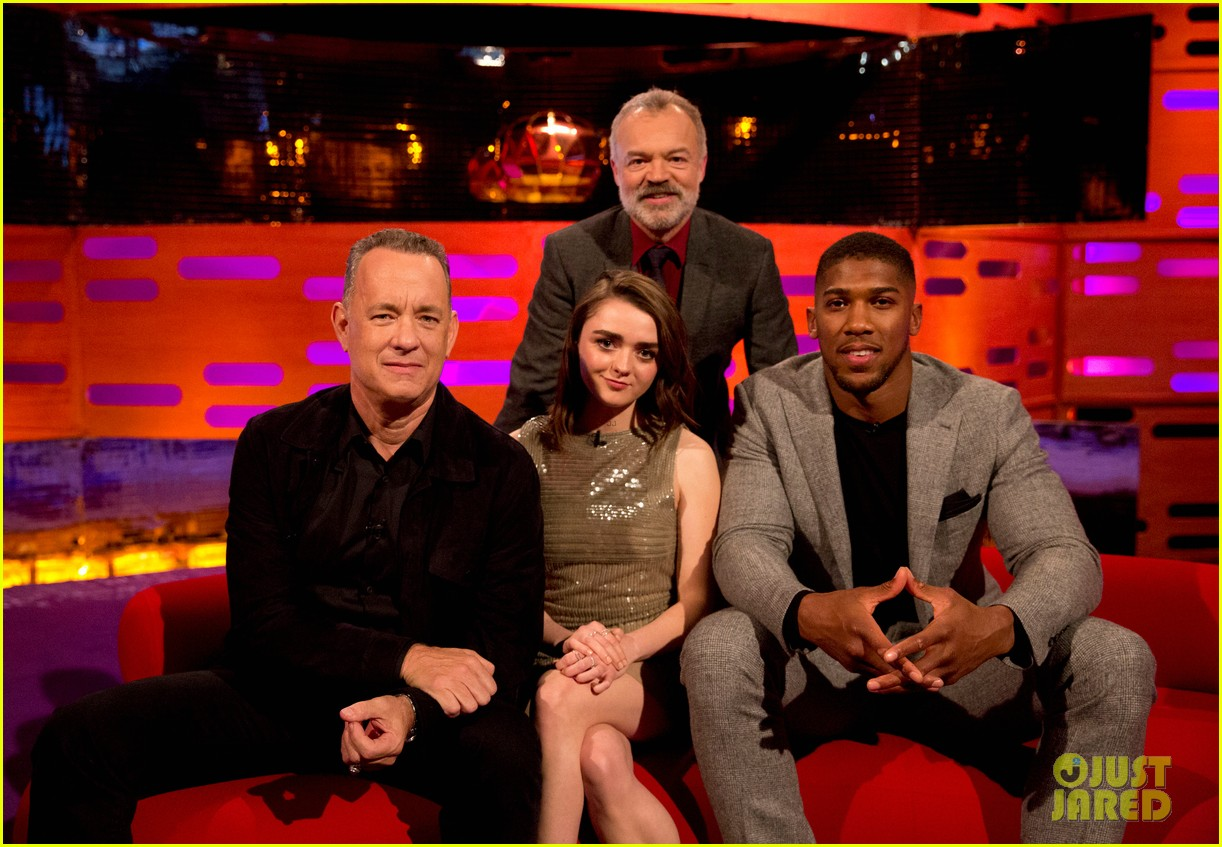 maisie williams tom hanks graham norton show 01