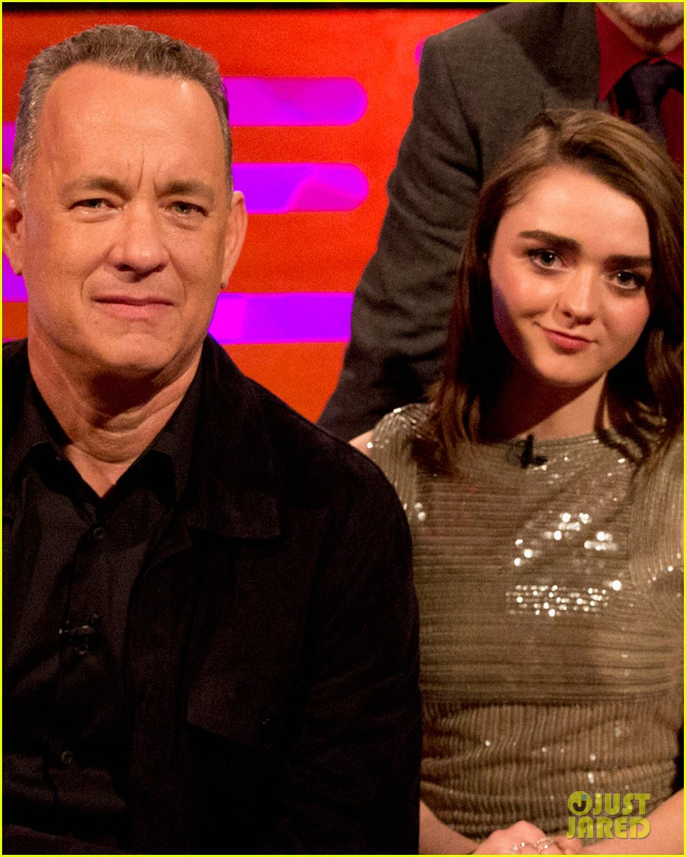 maisie williams tom hanks graham norton show 04
