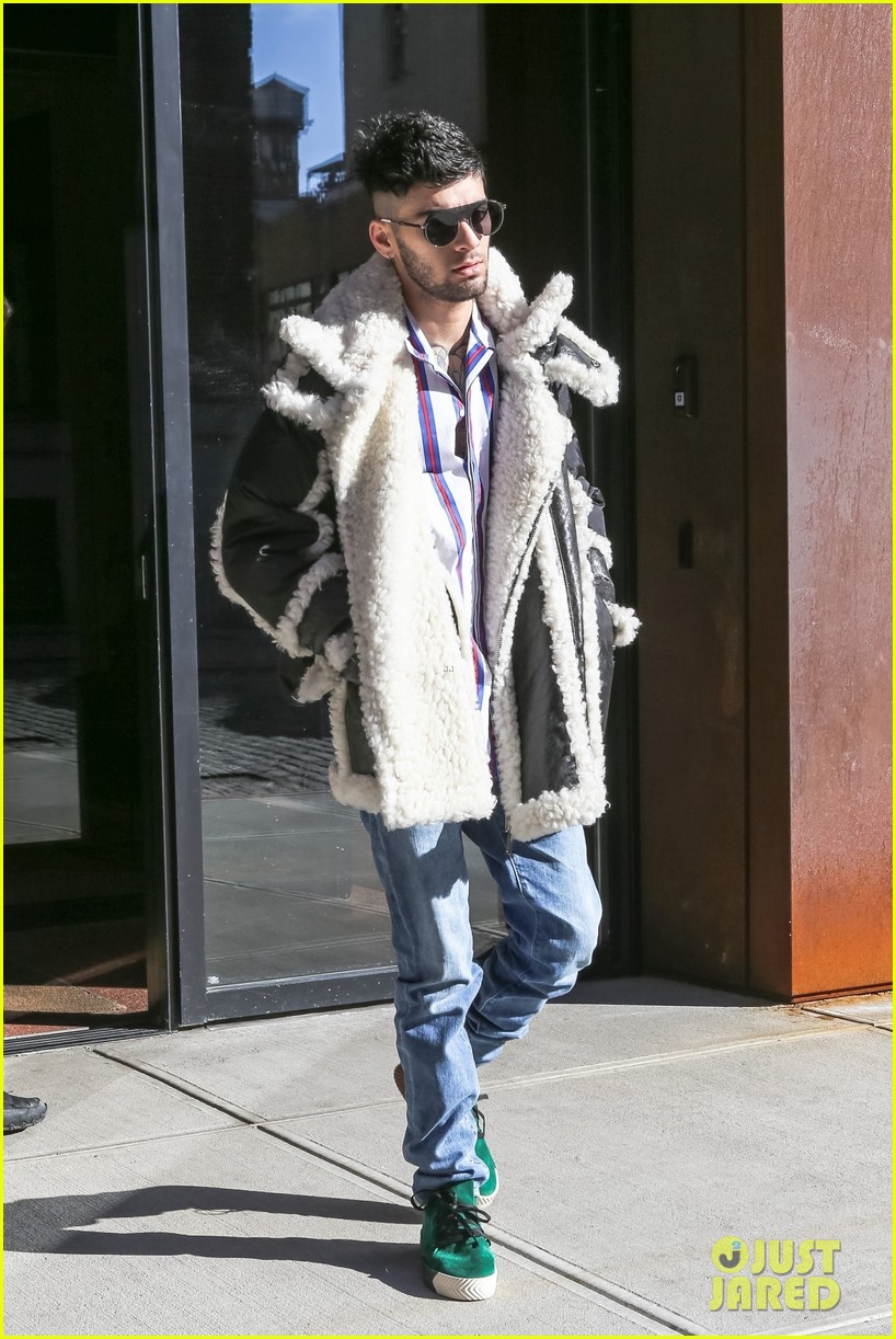 zayn malik steps out after celebraring his birthday in nyc 01