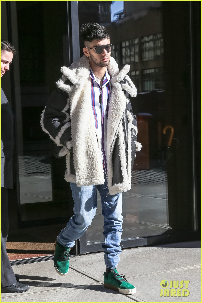 zayn malik steps out after celebraring his birthday in nyc 07