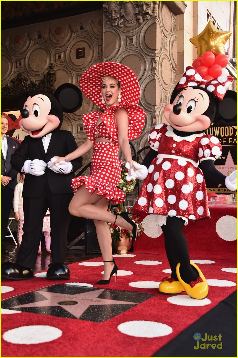 minnie mouse walk fame ceremony katy perry mickey mouse 06