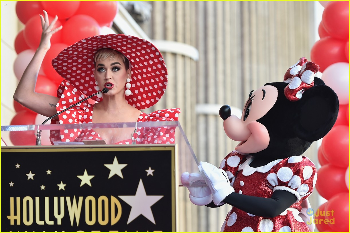 minnie mouse walk fame ceremony katy perry mickey mouse 08