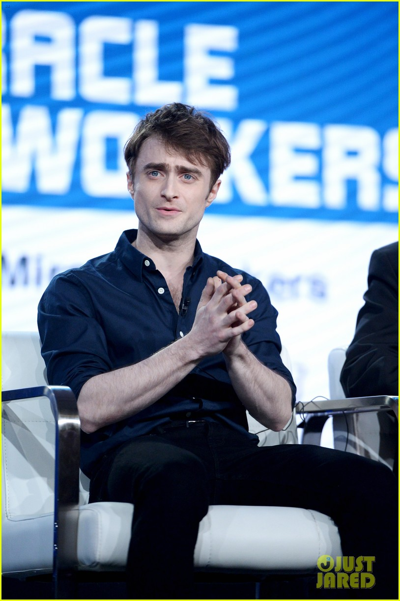 daniel radcliffe and steve buscemi bring miracle workers to winter tca tour 2018 17