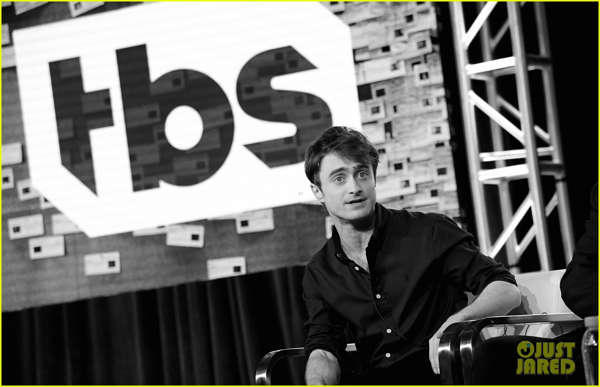 daniel radcliffe and steve buscemi bring miracle workers to winter tca tour 2018 21