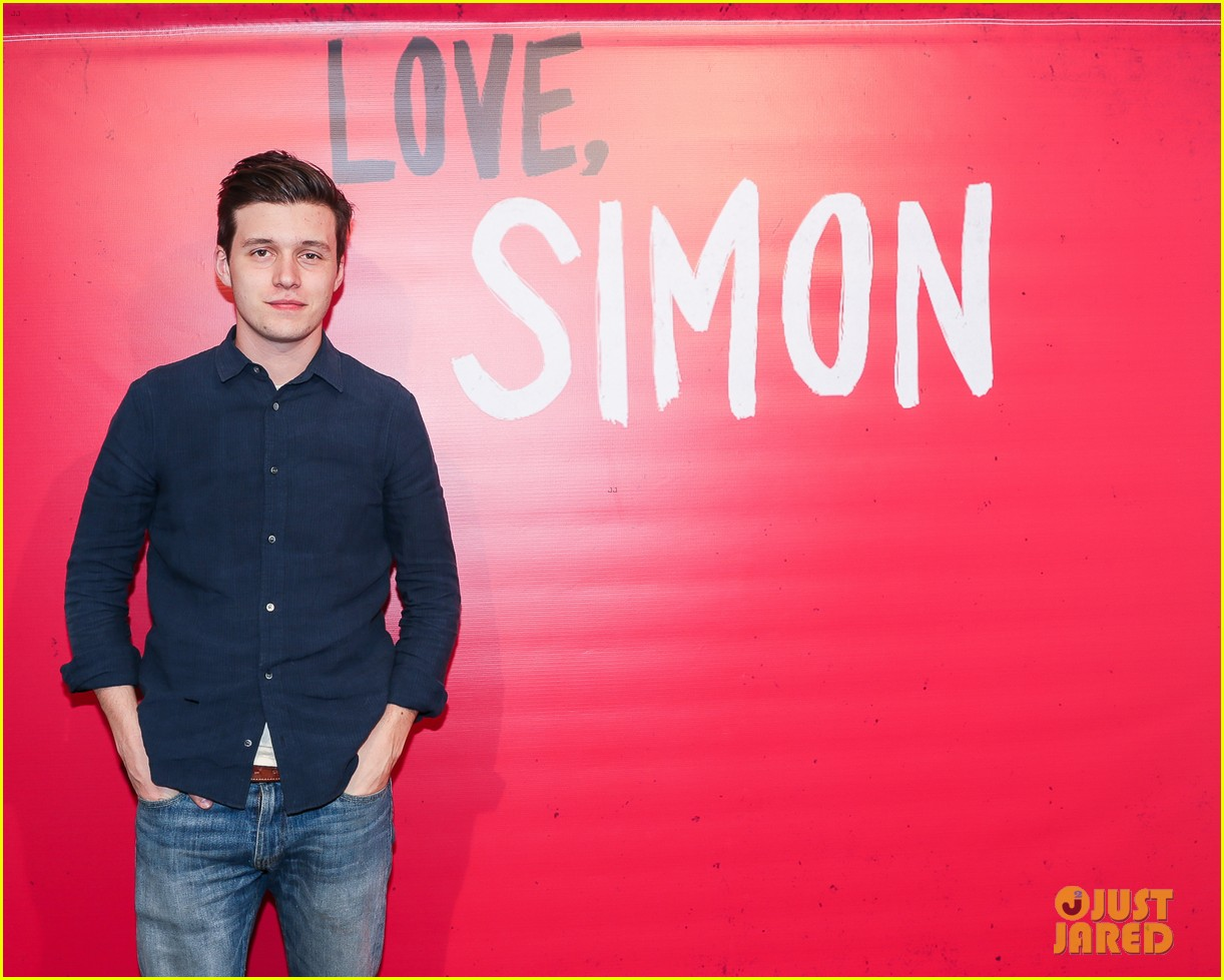 nick robinson greg berlanti love simon movie 06