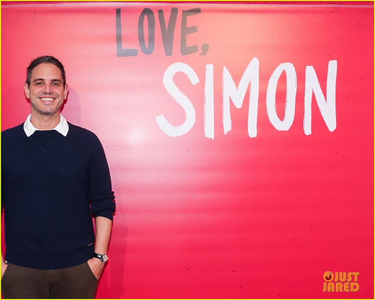 nick robinson greg berlanti love simon movie 09
