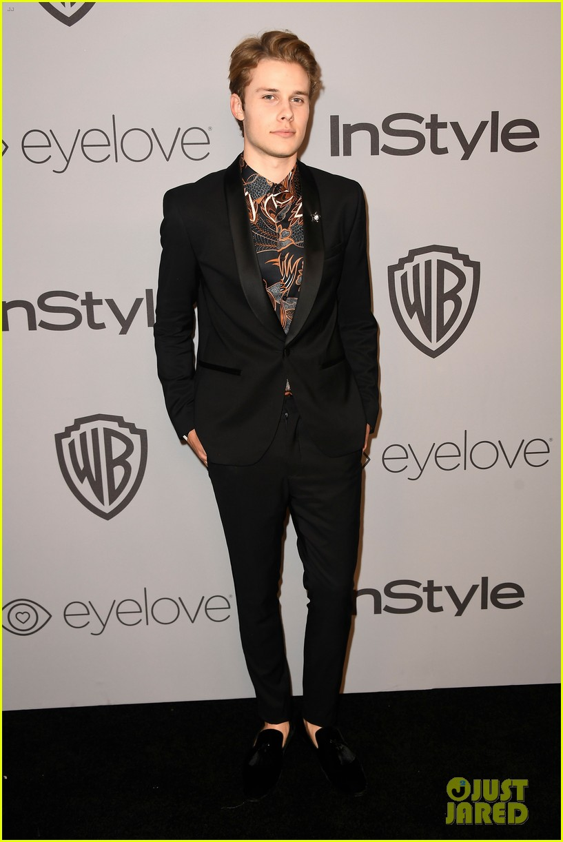 nick robinson harris dickinson tommy dorfman golden globes parties 2018 03