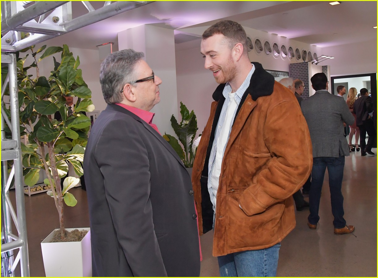sam smith kacey musgraves attend lucian grainge pre grammys 16