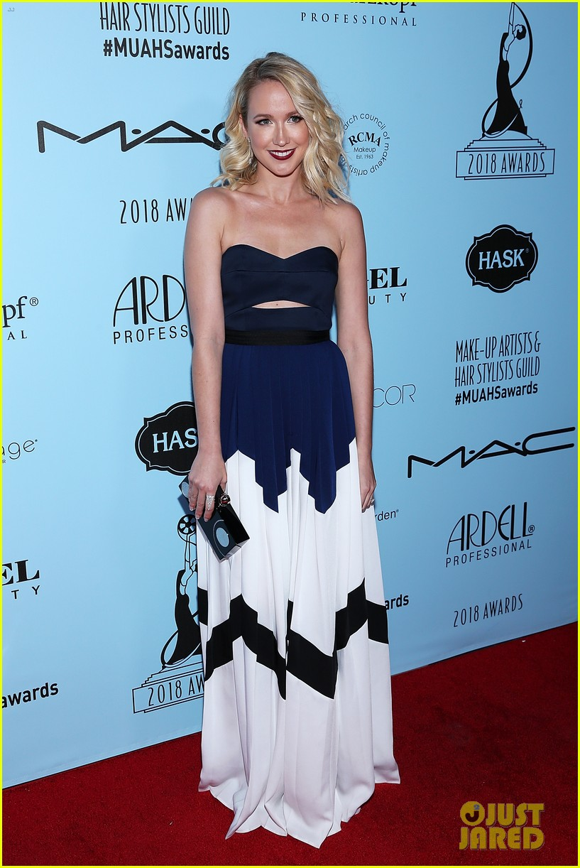 anna camp lily tomlin attned makeup hairstylist awards 01