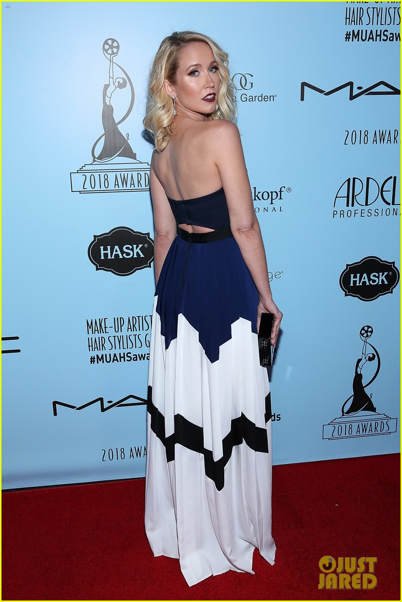 anna camp lily tomlin attned makeup hairstylist awards 11