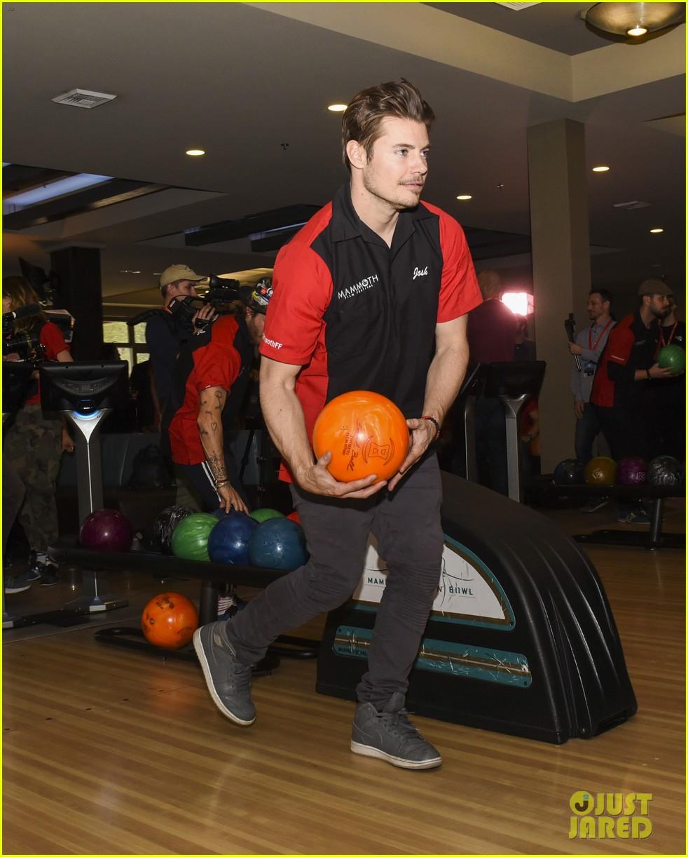 nina dobrev tom welling go celebrity bowling tournament 02