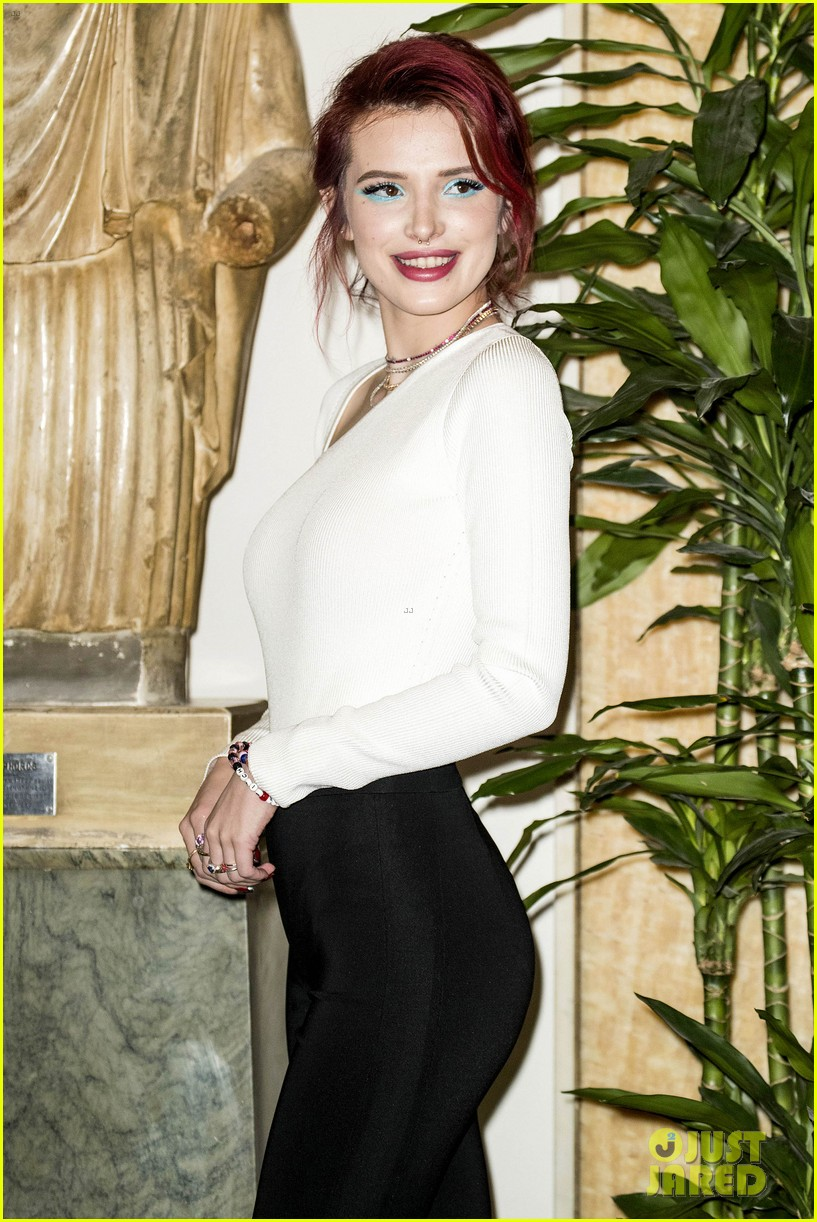 bella thorne photo call midnight rome italy february 2018 10