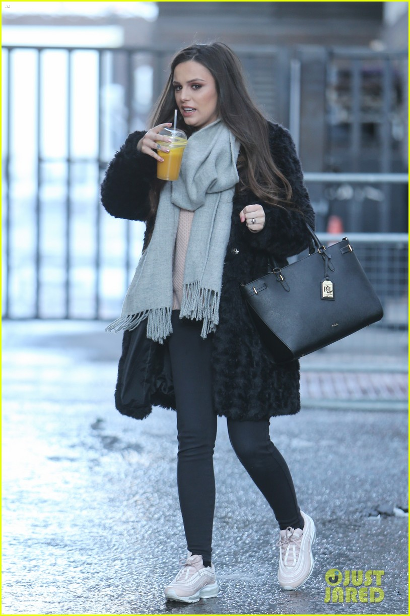 cher lloyd talks x factor shows off baby bump lorraine 05