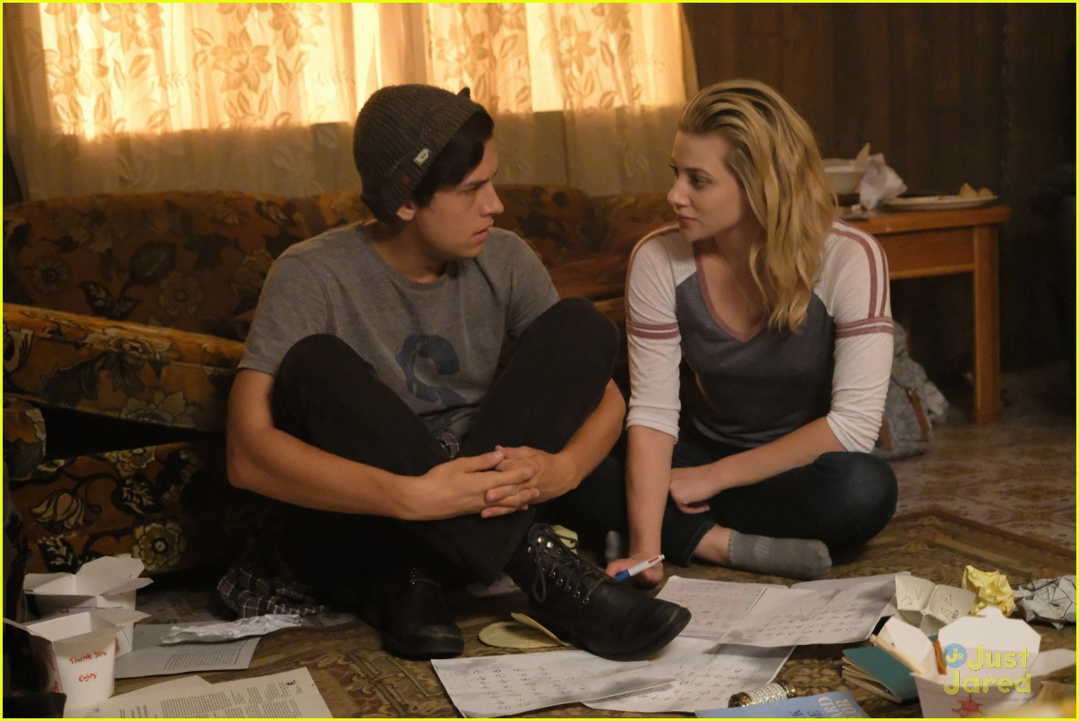 cole sprouse bughead belong together 01