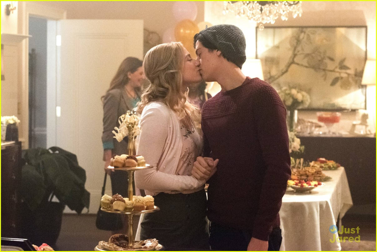 cole sprouse bughead belong together 05