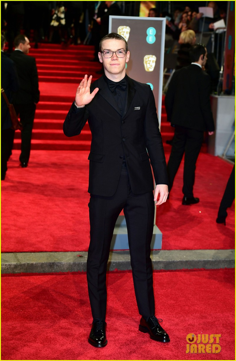 emma roberts will poulter arrive for baftas 2018 03