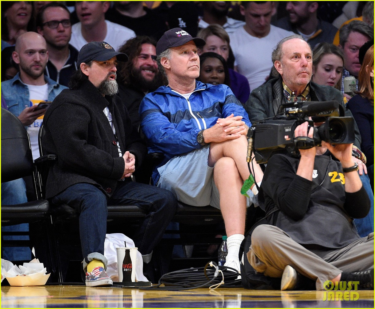 will ferrell and pharrell williams cheer on the lakers at basketball game 05