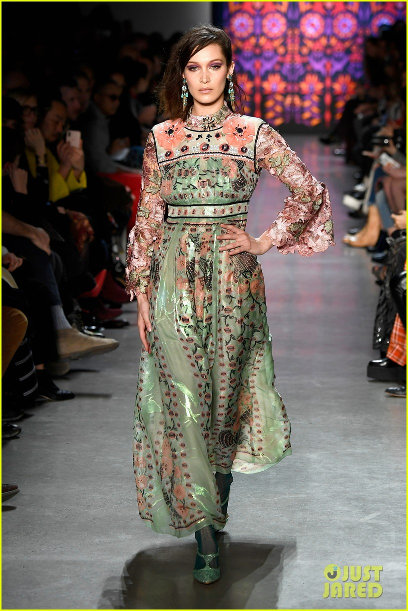 kaia gerber joins gigi bella hadid in anna sui nyfw show 14