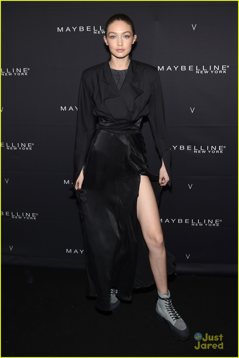 gigi hadid hasimoto disease tweets maybelline party 12