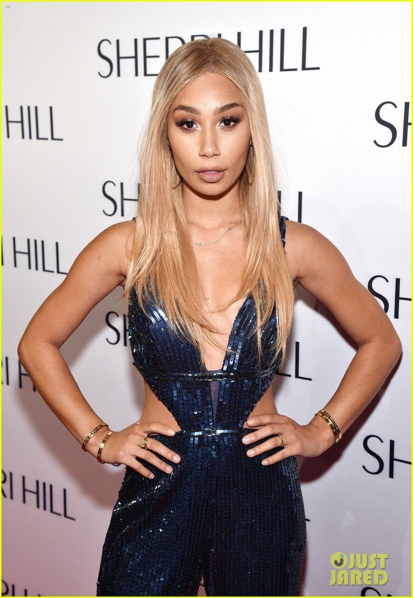 eva gutowski and niki and gabi support sailor brinkley cook at sherri hill fashion show 36