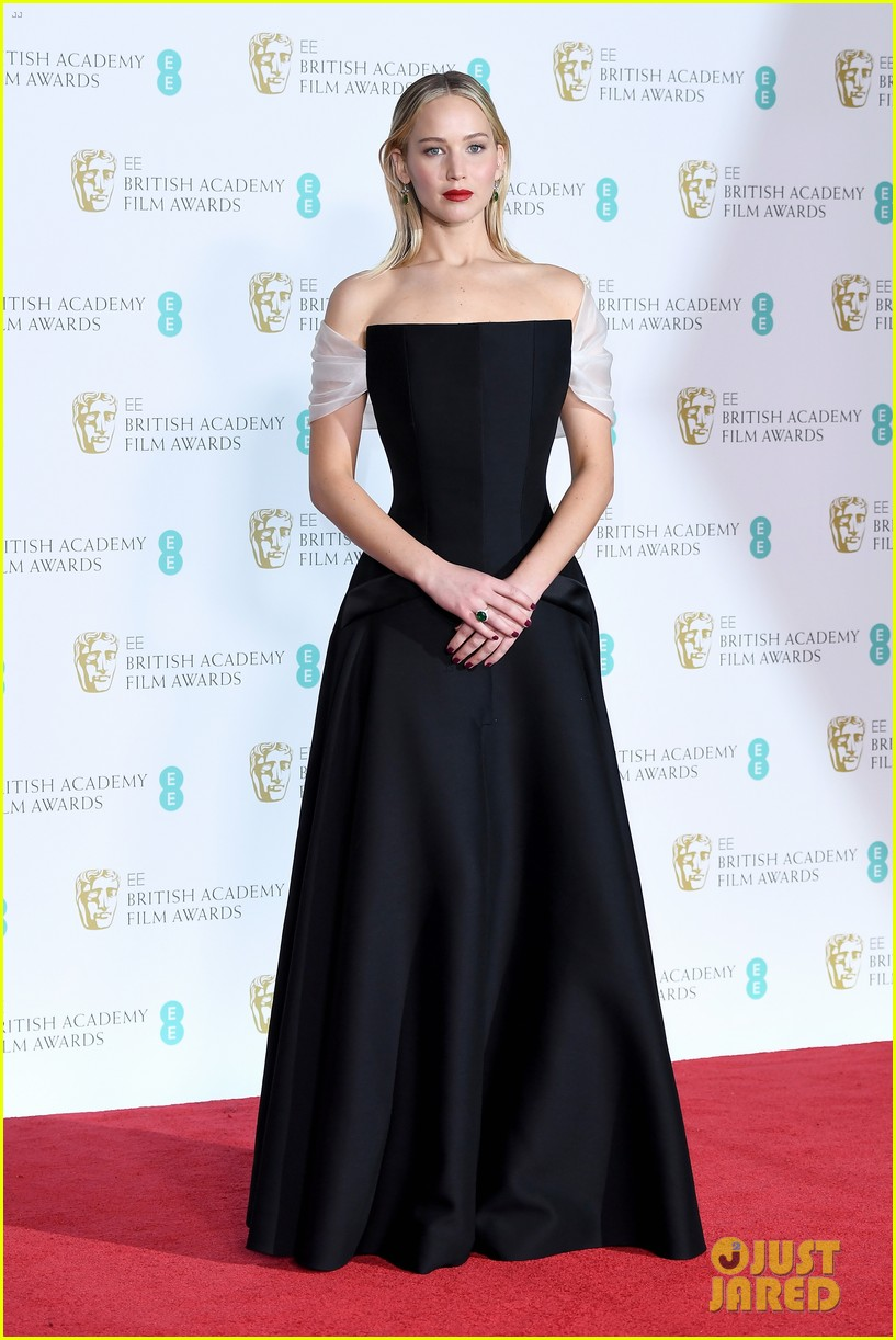 jennifer lawrence 2018 baftas 01