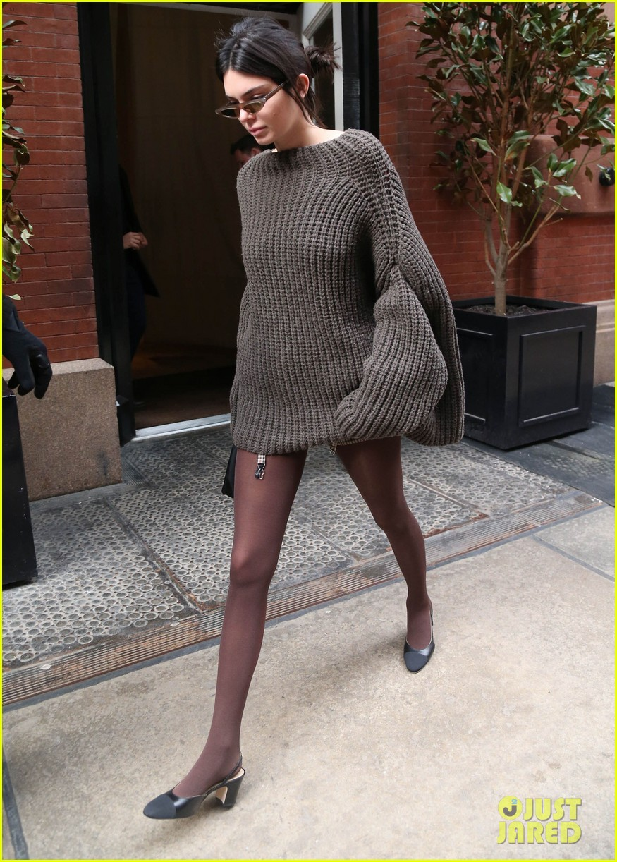 kendall jenner hailey baldwin and kaia gerber show off their nyc street styles 12