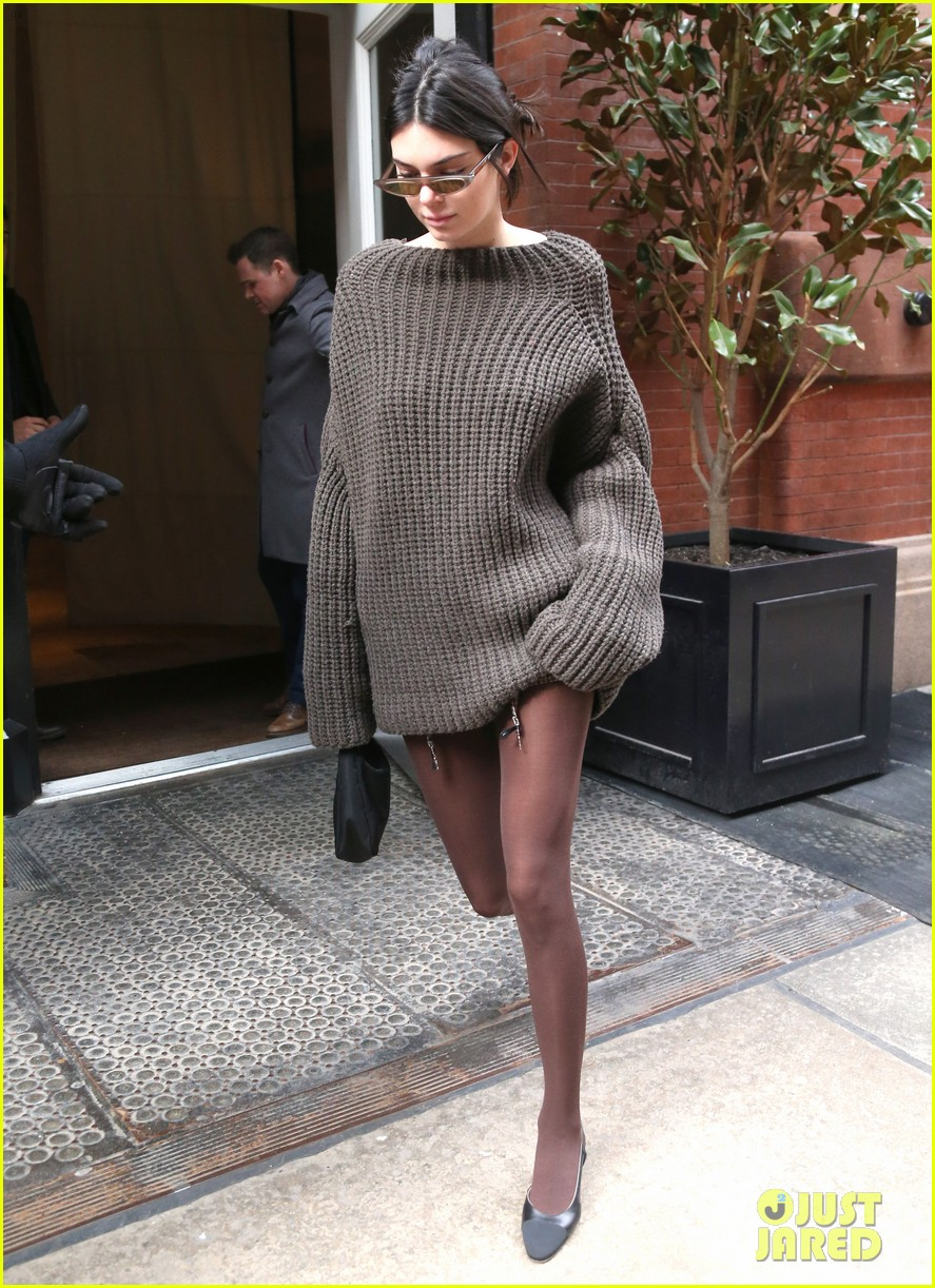 kendall jenner hailey baldwin and kaia gerber show off their nyc street styles 20