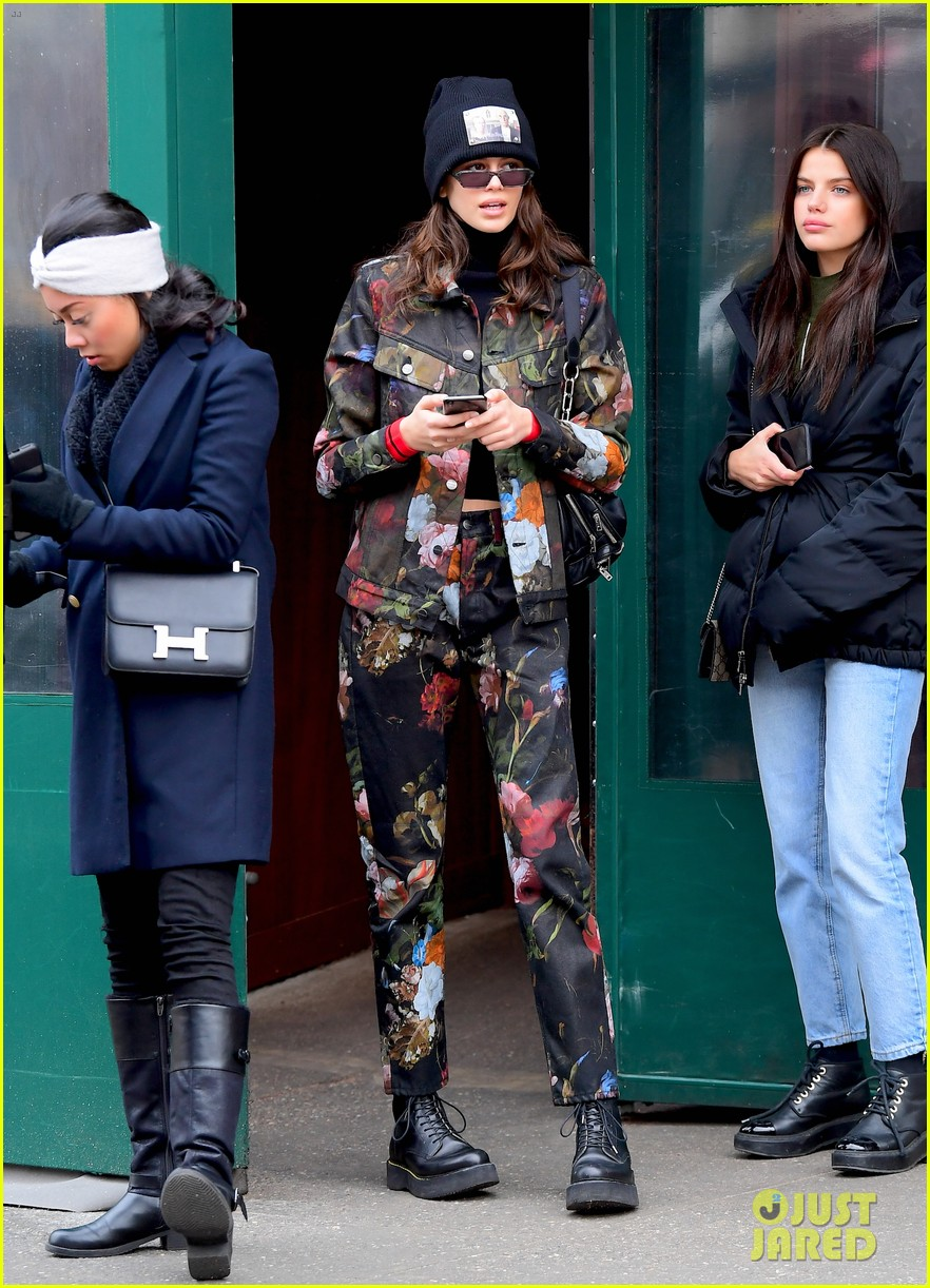 kendall jenner hailey baldwin and kaia gerber show off their nyc street styles 21