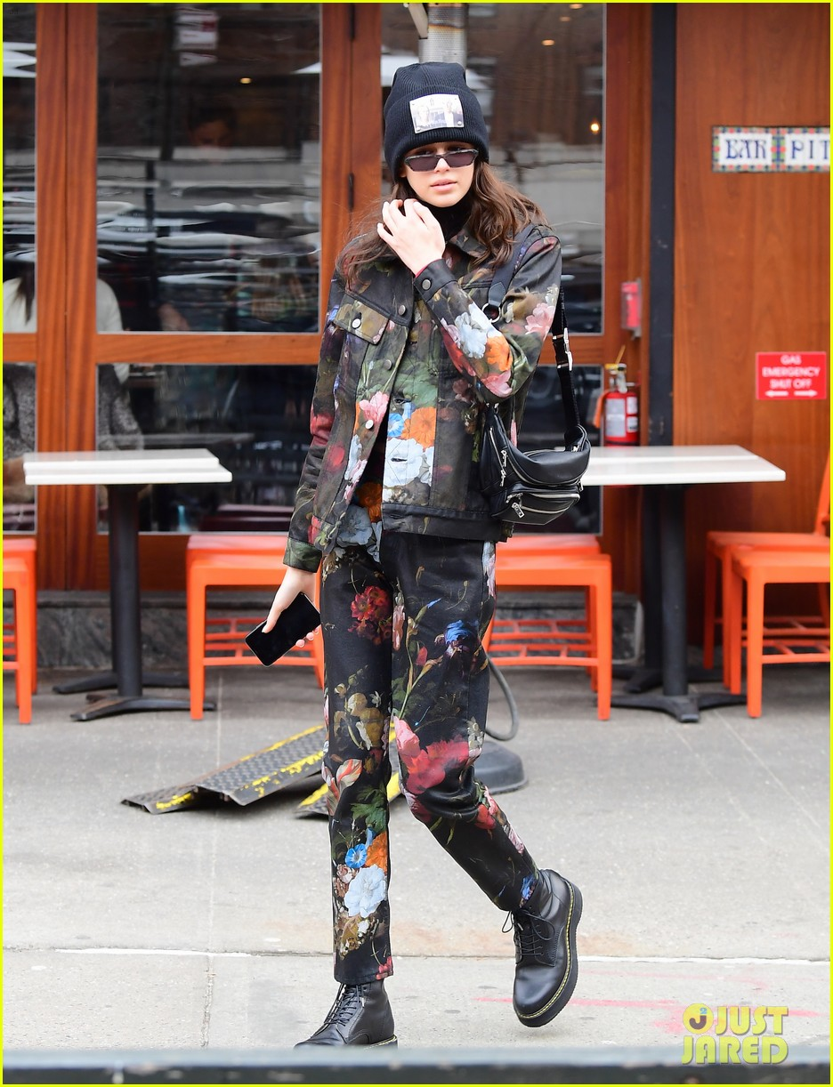 kendall jenner hailey baldwin and kaia gerber show off their nyc street styles 22
