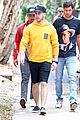 nick jonas meets up with brother joe in australia 11