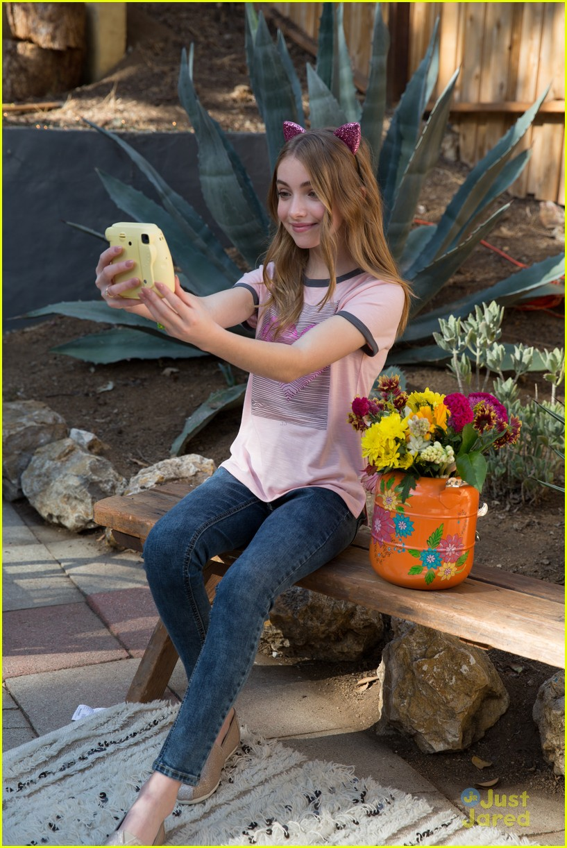 644a9cd3c7 Lauren Orlando Joins LaurDIY   More in MuddStyle s New Spring 2018 Fashion  Campaign