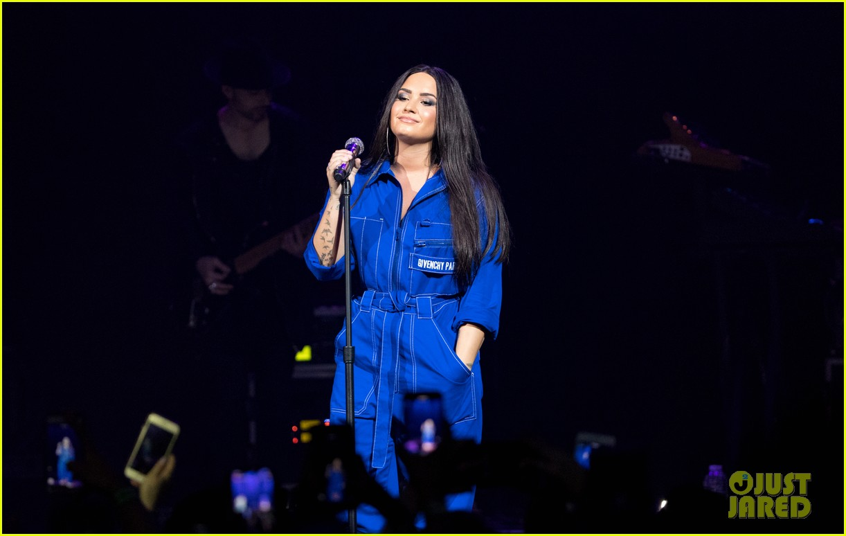 demi lovato has written songs with john mayer reveals advice he gave her 04