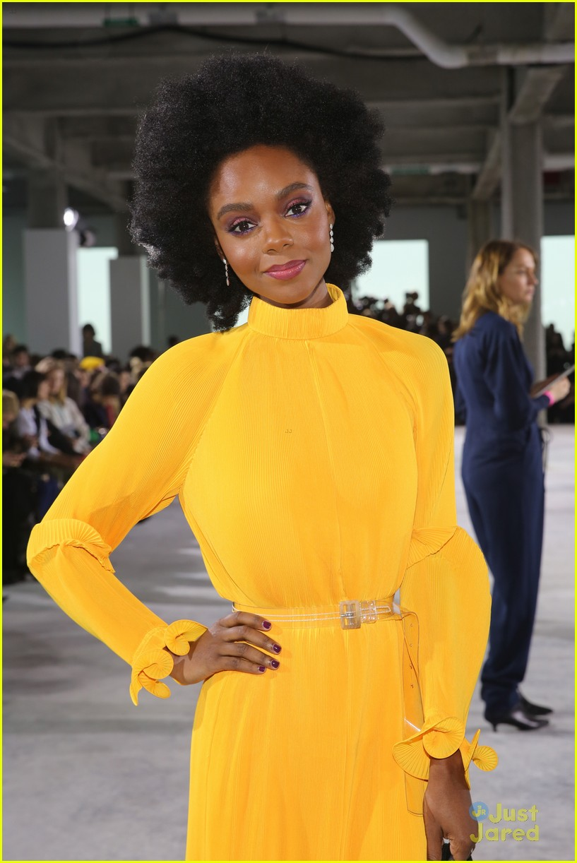 ashleigh murray twin moment nyfw lucy hale 05