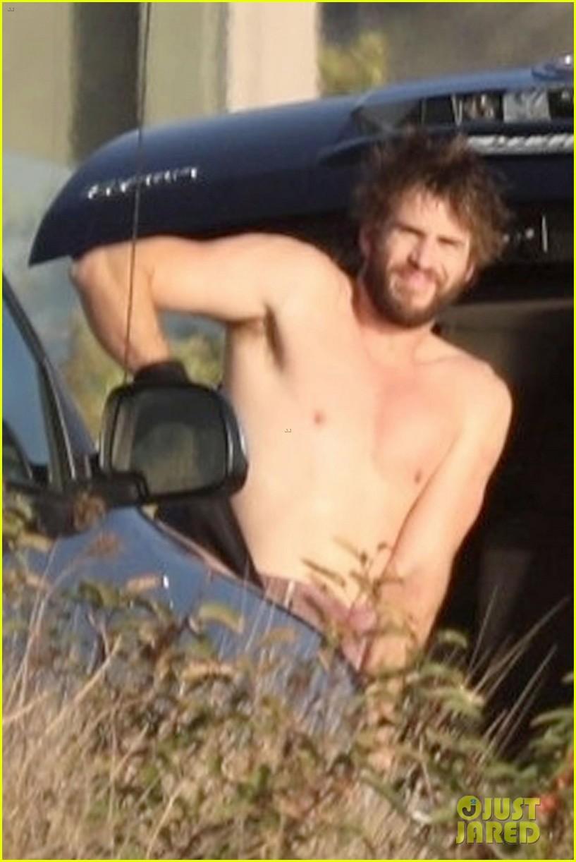 miley cyrus liam hemsworth malibu surfing february 2018 03