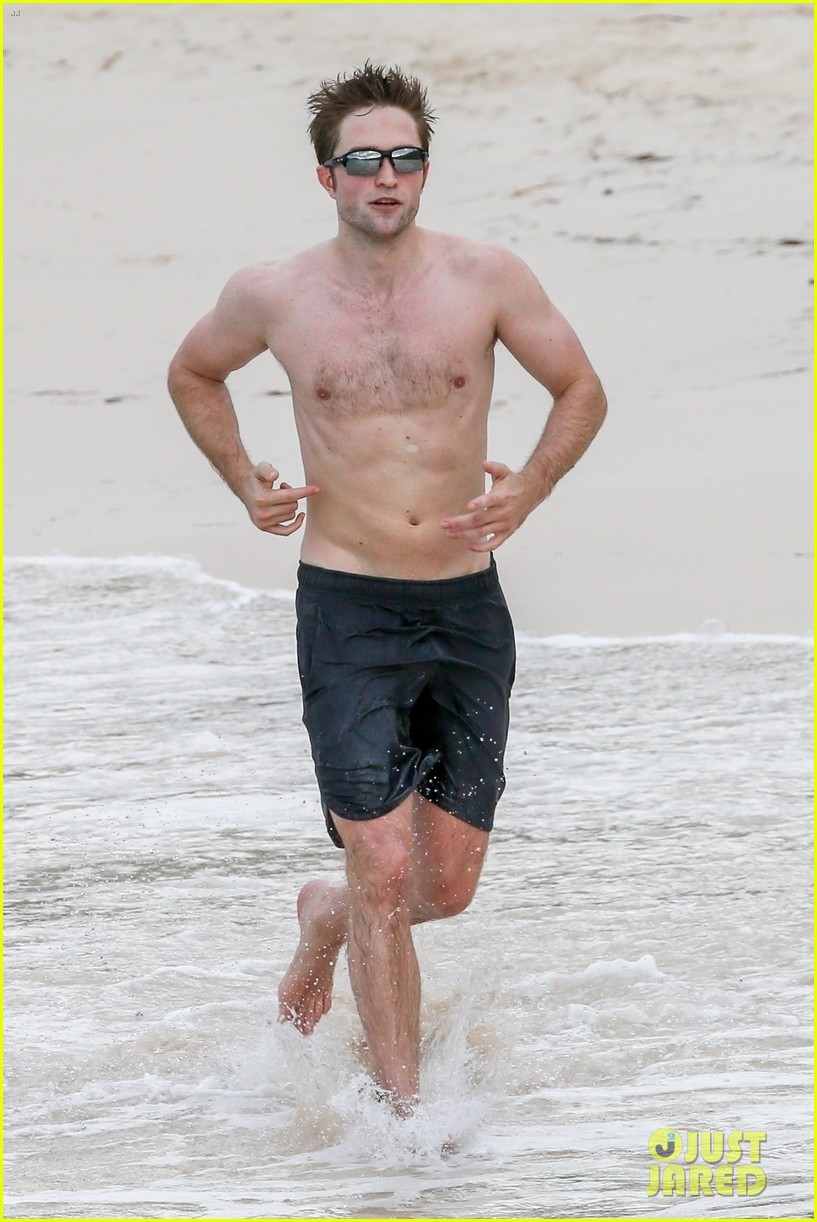 robert pattinson bares ripped body while shirtless in antigua 05