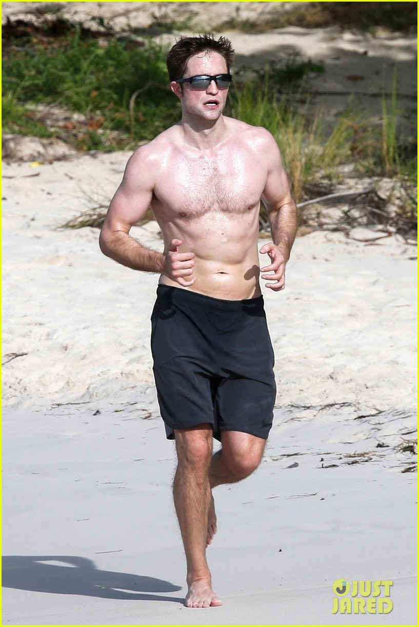 robert pattinson bares ripped body while shirtless in antigua 27