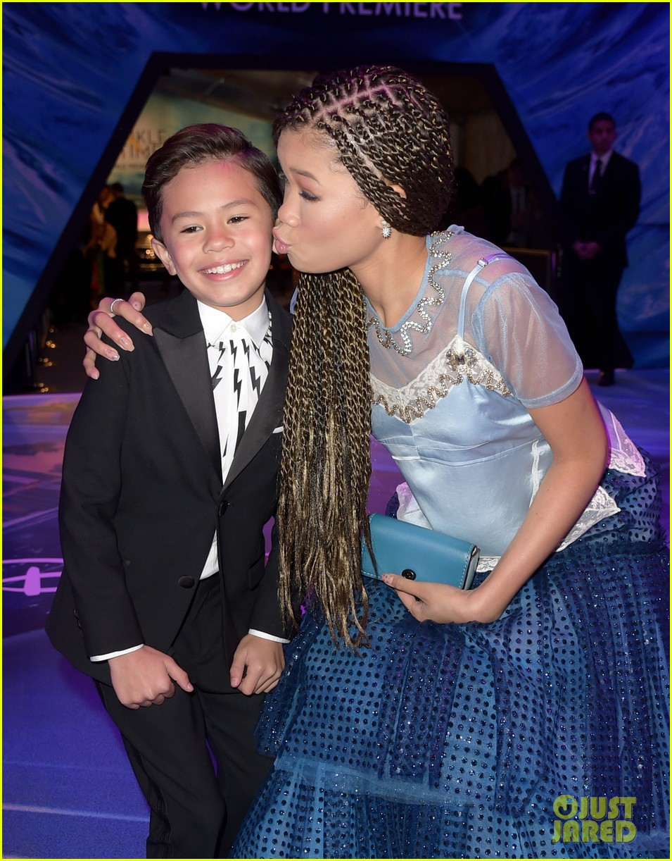 storm reid rowan blanchard and levi miller rock magical looks at a wrinkle in time premiere2 05
