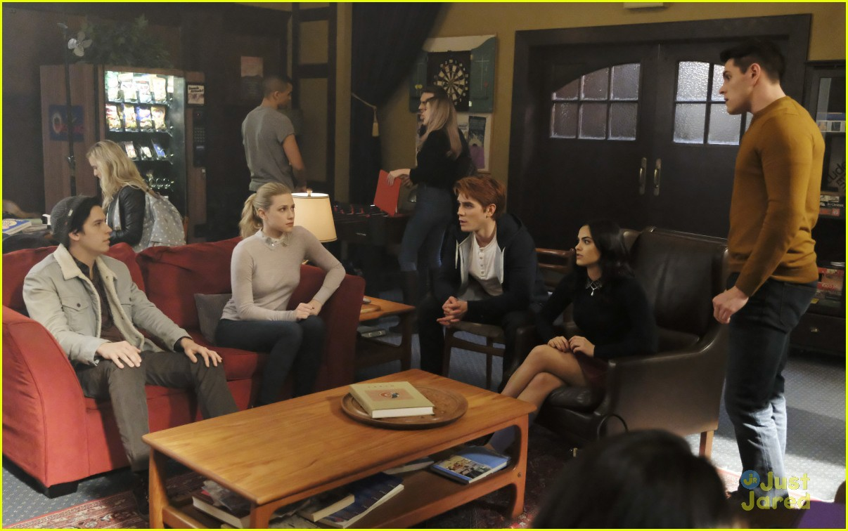 riverdale tell tale heart stills 02