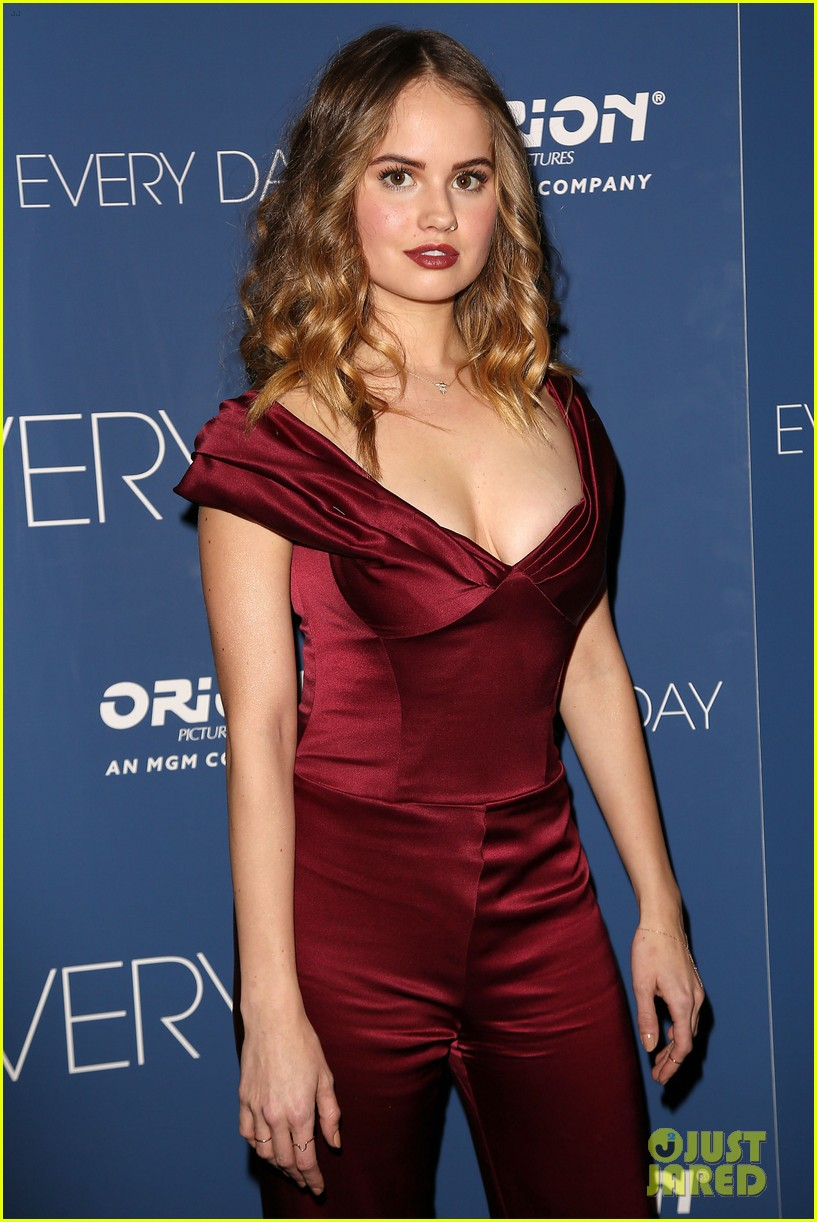 On Screen Sisters Debby Ryan Amp Angourie Rice Premiere