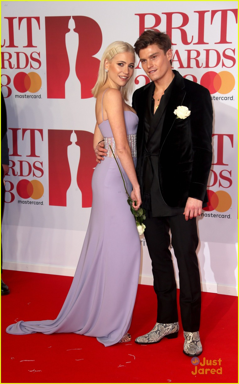 vamps lottie moss pixie tallia more brit awards 05