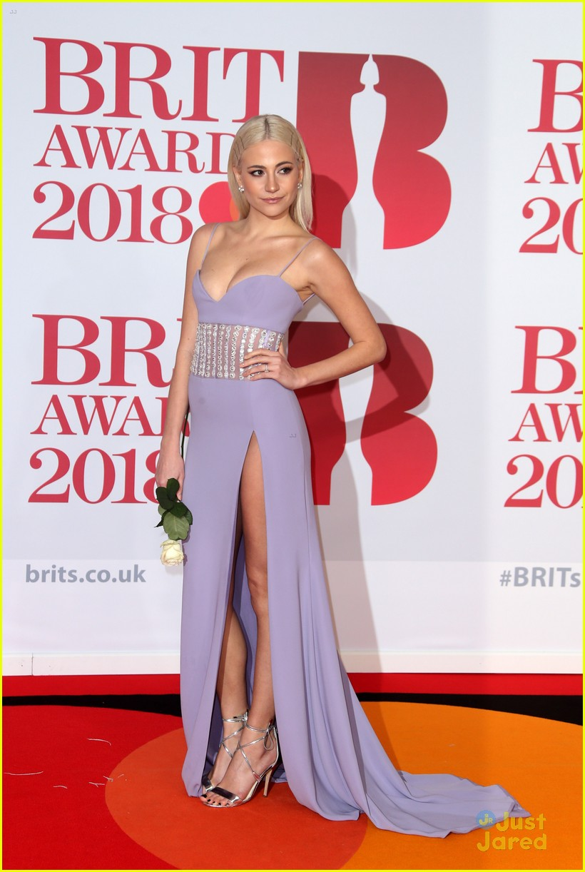 vamps lottie moss pixie tallia more brit awards 17