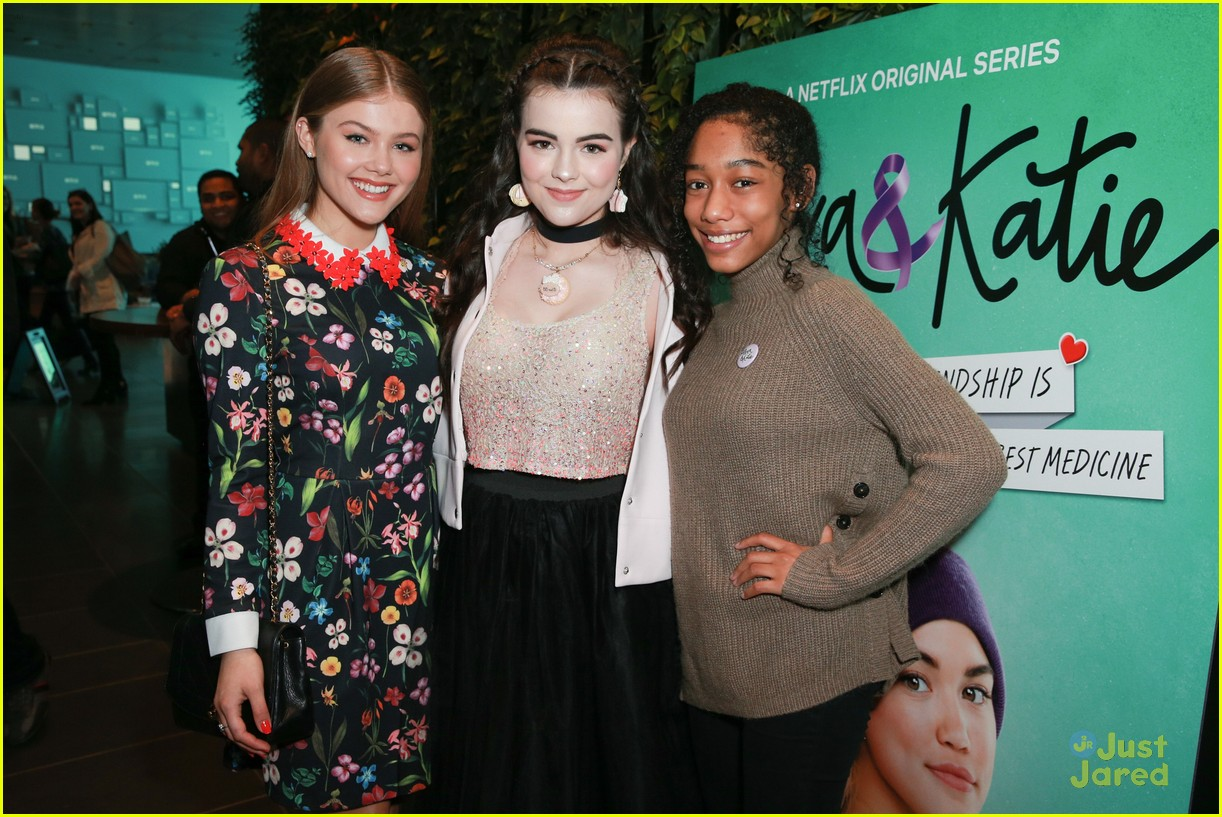 alexa katie cast comes out for premiere event 09