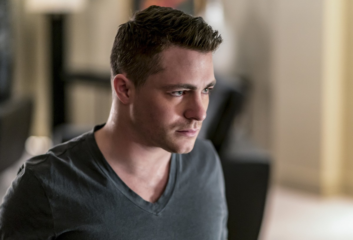 arrow colton haynes returns roy tonight 07