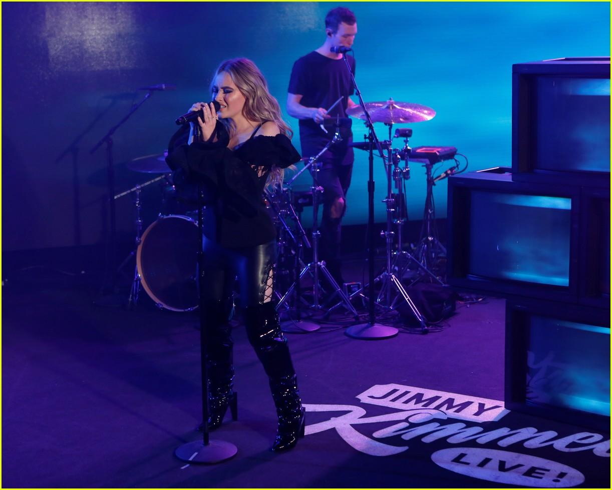 sabrina carpenter and jonas blue perform alien on jimmy kimmel live 03