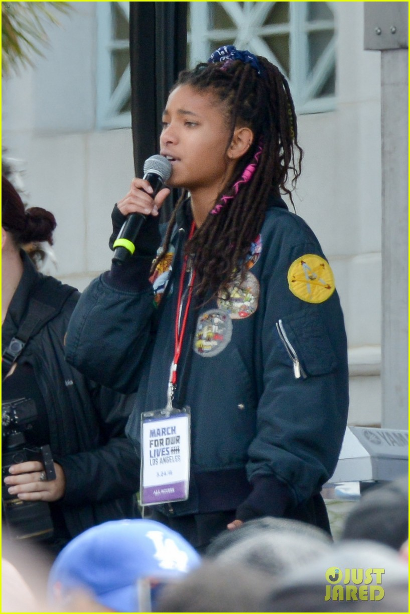 charlie puth willow smith march for our lives 01