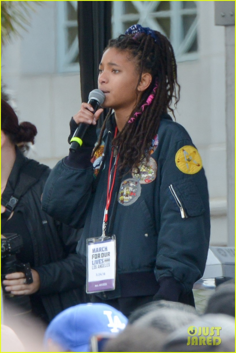 charlie puth willow smith march for our lives 09