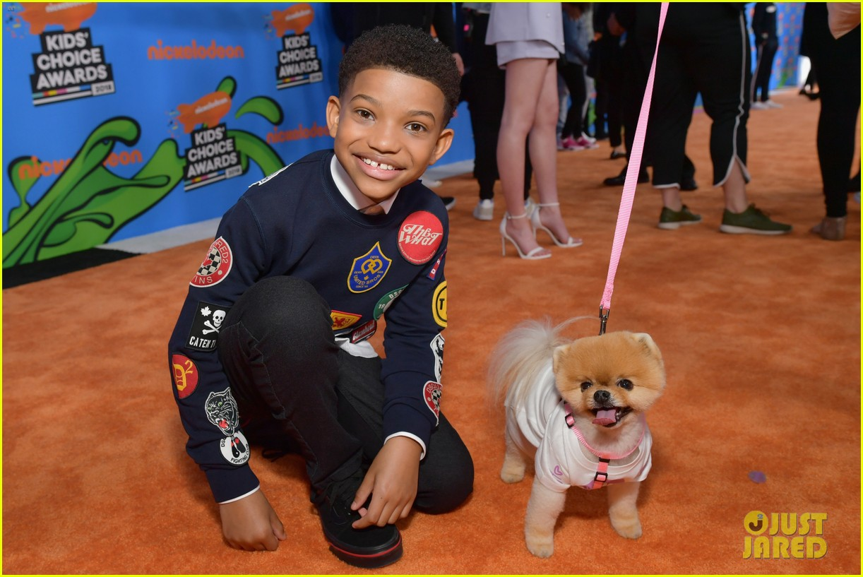 lonnie chavis hannah ziele and parker bates bring this is us to kids choice awards 2018 01