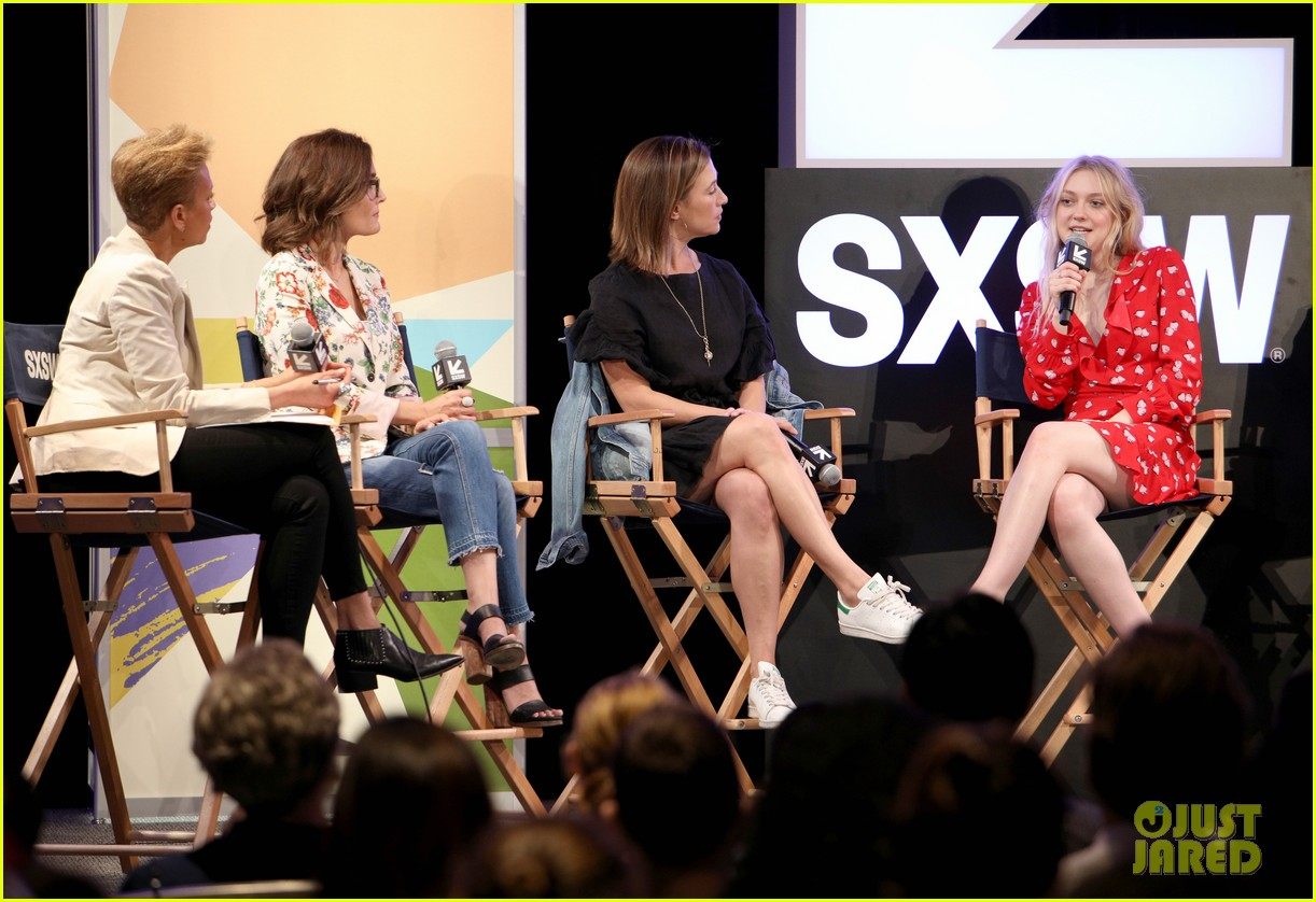 elle and dakota fanning join forces at sxsw film festival 02