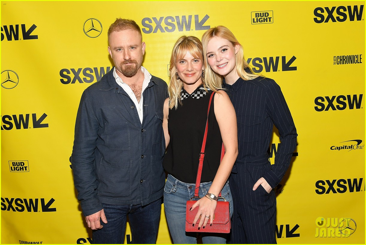 elle and dakota fanning join forces at sxsw film festival 08